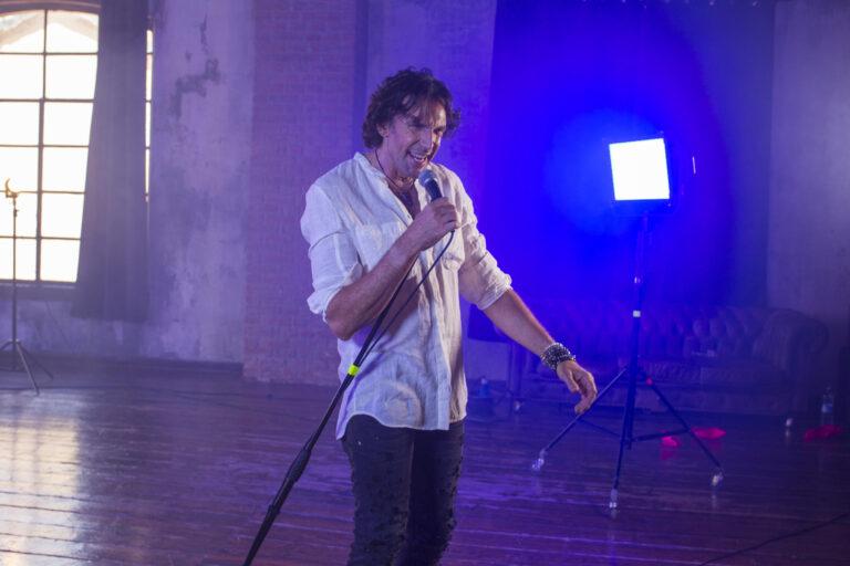 Tanta roba, esce il nuovo lavoro musicale di Ale Anguissola da oggi in radio e streaming