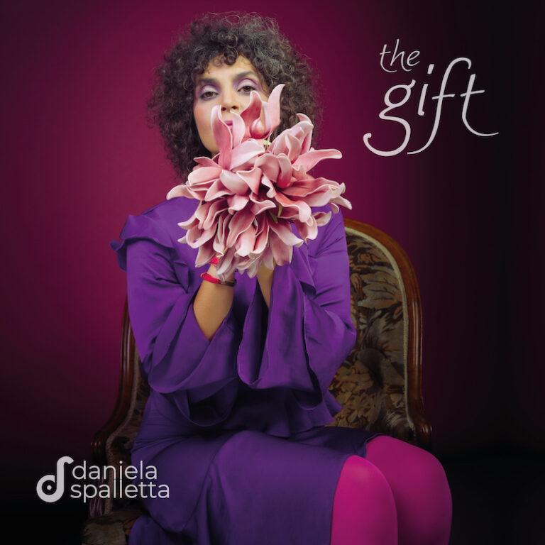"""Daniela Spalletta torna in radio con """"The gift"""" dall'11 dicembre"""