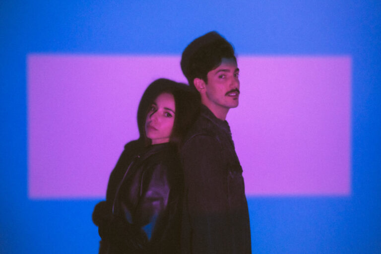 RAYSTARS // WWYH (Why Were You Here) il secondo singolo del duo electro pop è un'esortazione a risollevarsi dopo una delusione