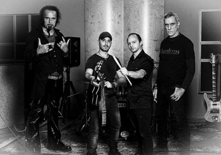 """RADIOATTIVA // Fuori """"Tu Sorriderai"""" brano noir dal finale aperto nuovo estratto dall'album """"Resistencìa"""""""