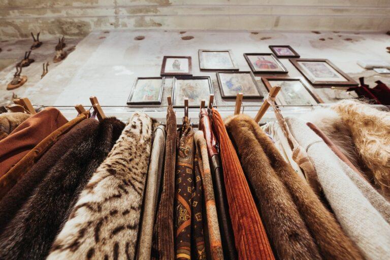 Torna Retrograde, il temporary shop firmato East Market dedicato all'abbigliamento vintage